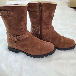 UGG Grandle Sz 7 Brown Suede Sheepskin Boots